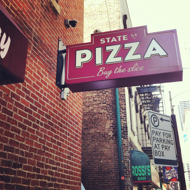 best_pizza_in_chicago_state_street_pizza_aspiring_kennedy.JPG