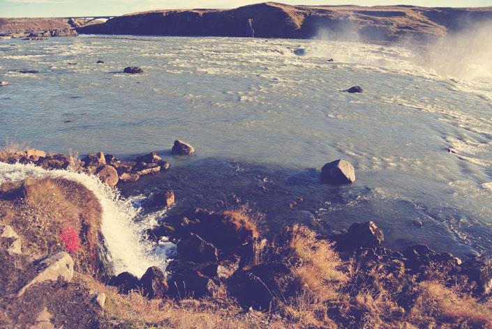 iceland_waterfall_aspiring_kennedy.jpg