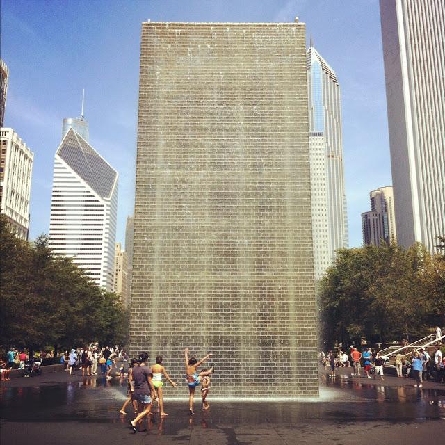 chicago_millenium_park_water_fountain_aspiring_kennedy.JPG