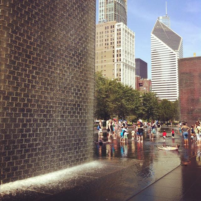 millenium_park_fountain_chicago_aspiring_kennedy.JPG