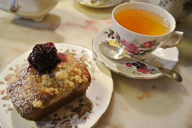 affordable_tea_time_in_london_cocomaya_aspiringkennedy.JPG