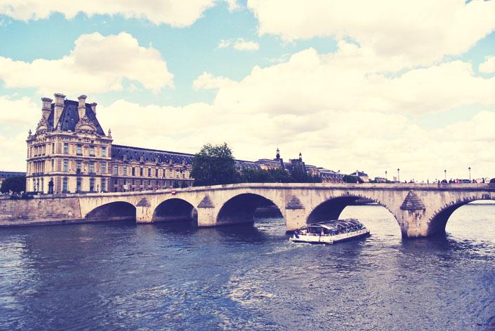river_cruise_in_paris_aspiring_kennedy.jpg