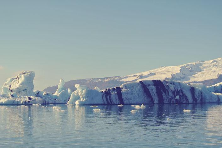 iceland_boat_ride_around_glaciers_aspiring_kennedy.jpg