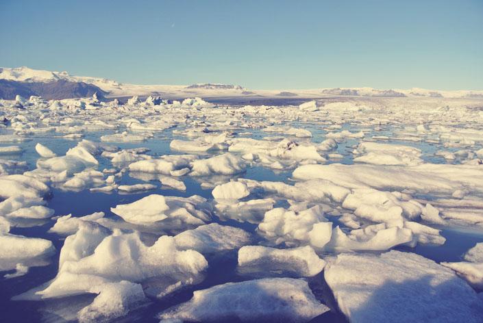 icelands_glacial_lagoon_boat_rides_aspiring_kennedy_iceland_trip.jpg