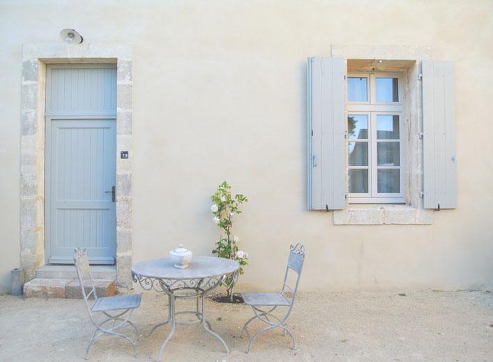 affordable_french_chateau_les_carrasses_aspiring_kennedy.jpg