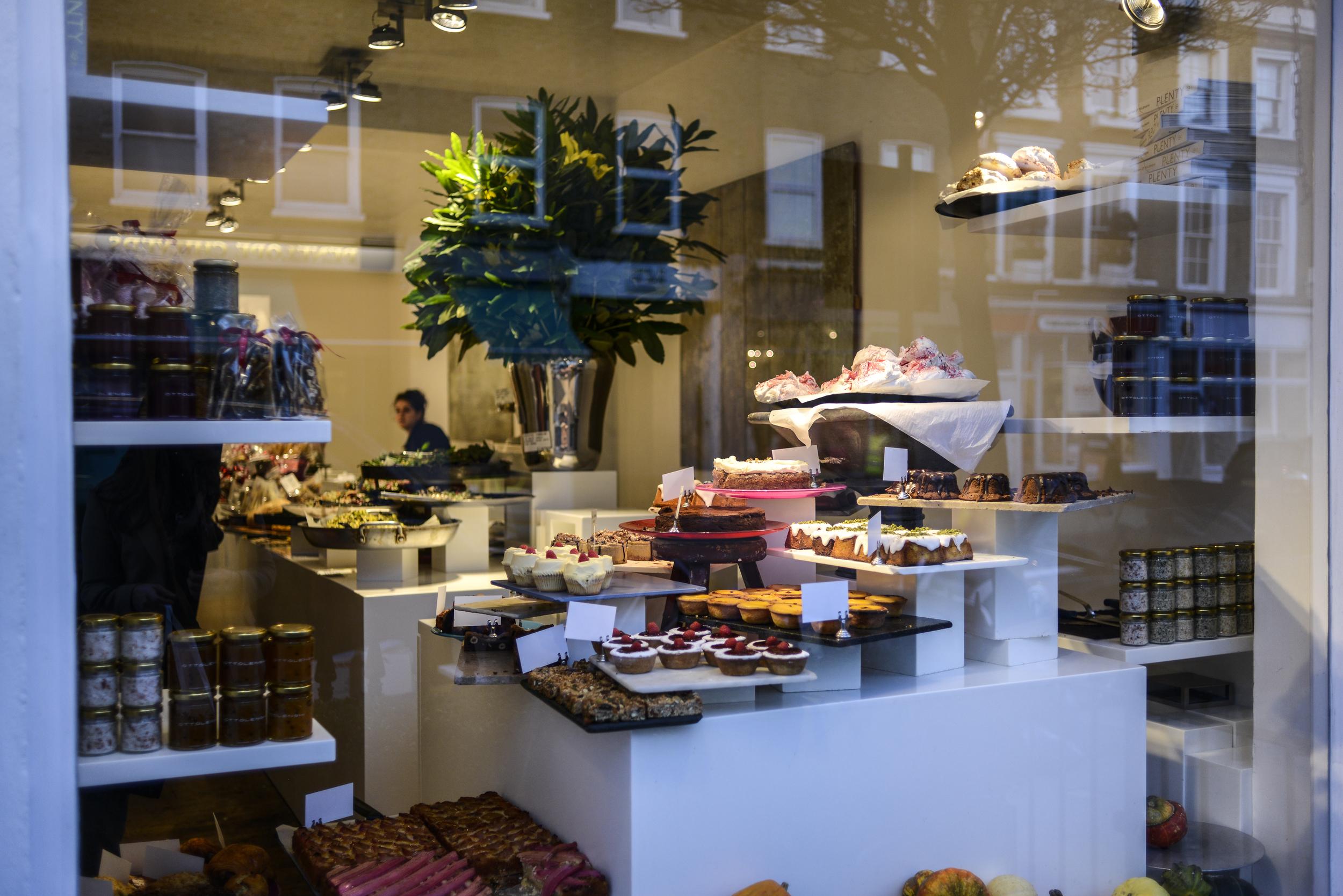 ottolenghi_notting_hill_desserts_aspiring_kennedy_noah_darnell