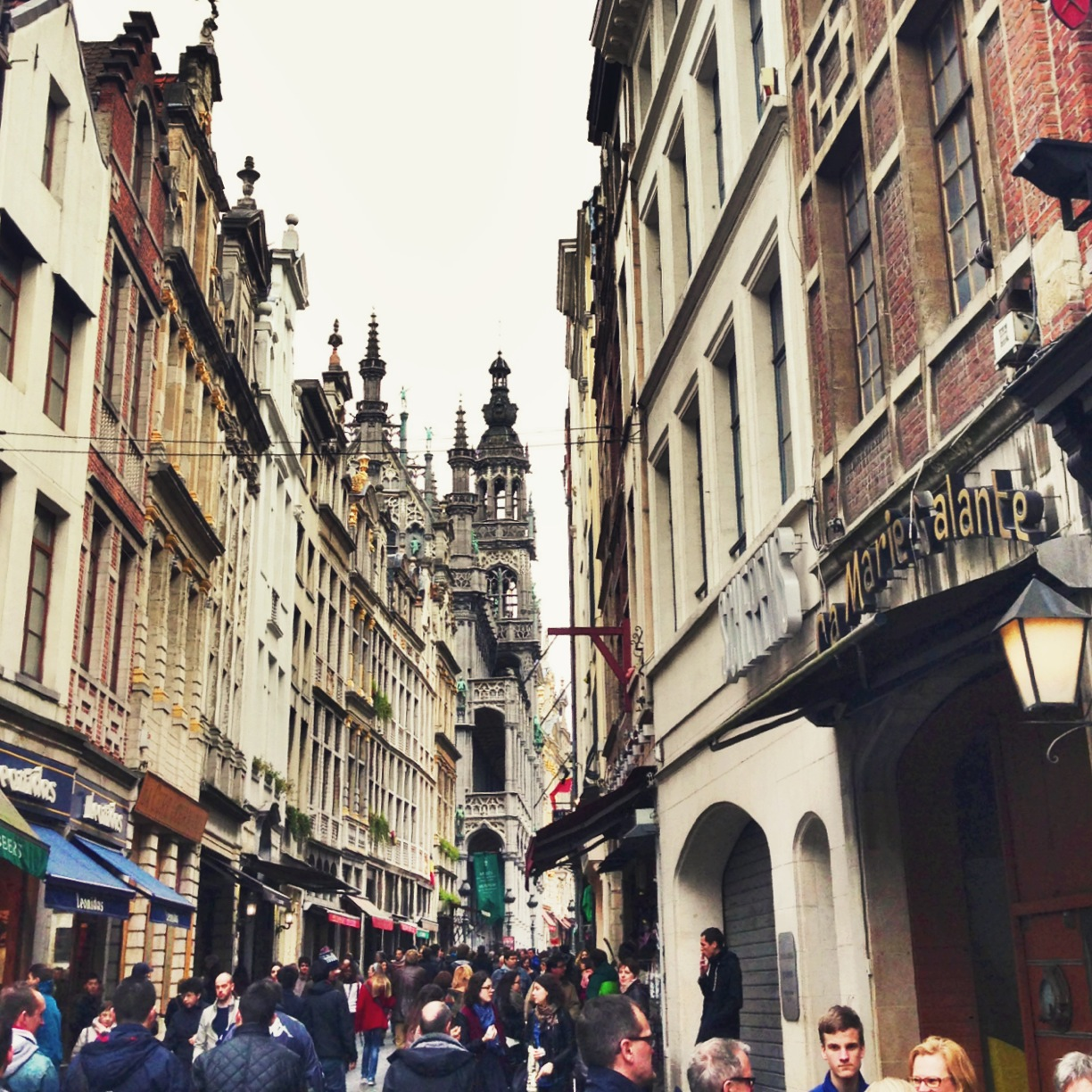 brussels_streets_grand_place_aspiring_kennedy