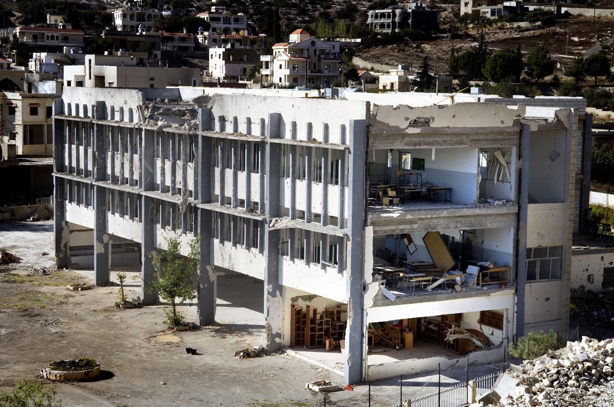 Lenka_Clayton_Repairing_Lebanon_03.jpg