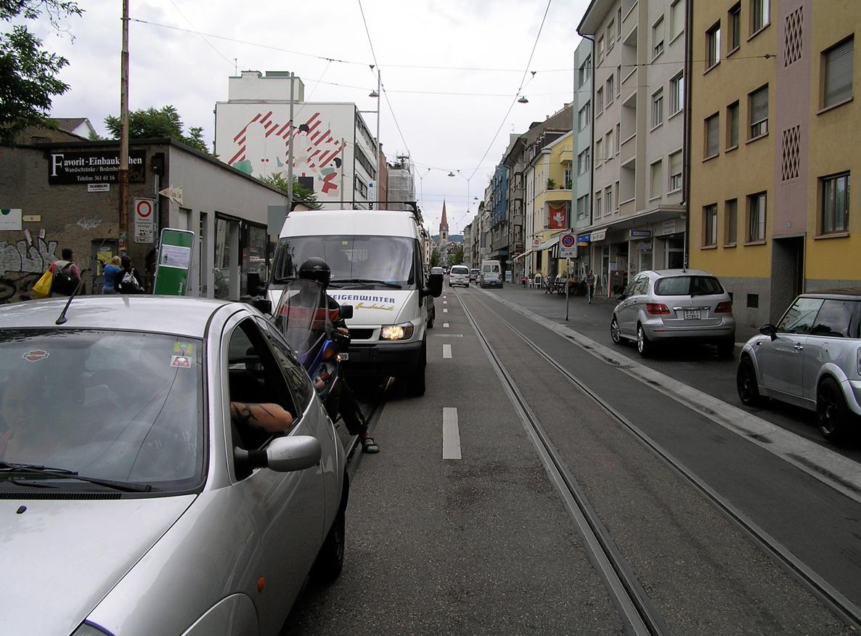 james_to_lenka_road_07.jpg