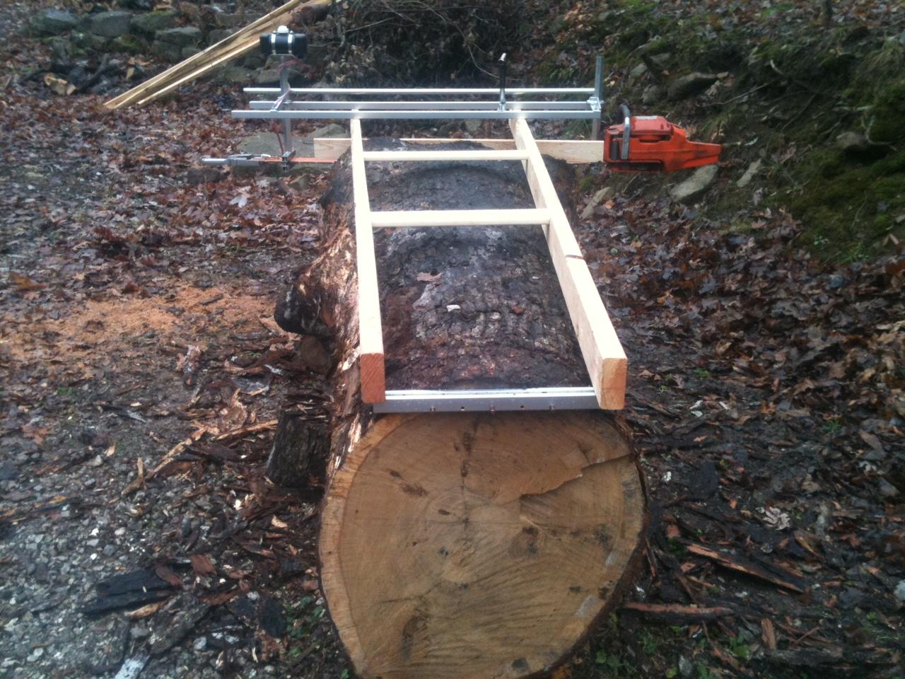 Chainsaw slabbing mill