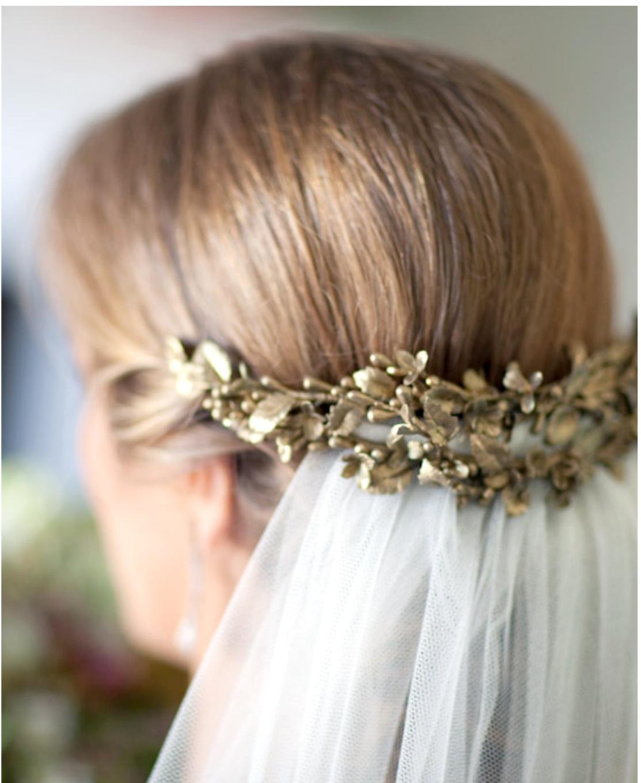 Peinados de novia recogidos con mantilla