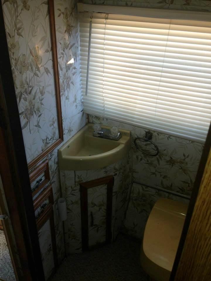 2a - old bathroom two.JPG