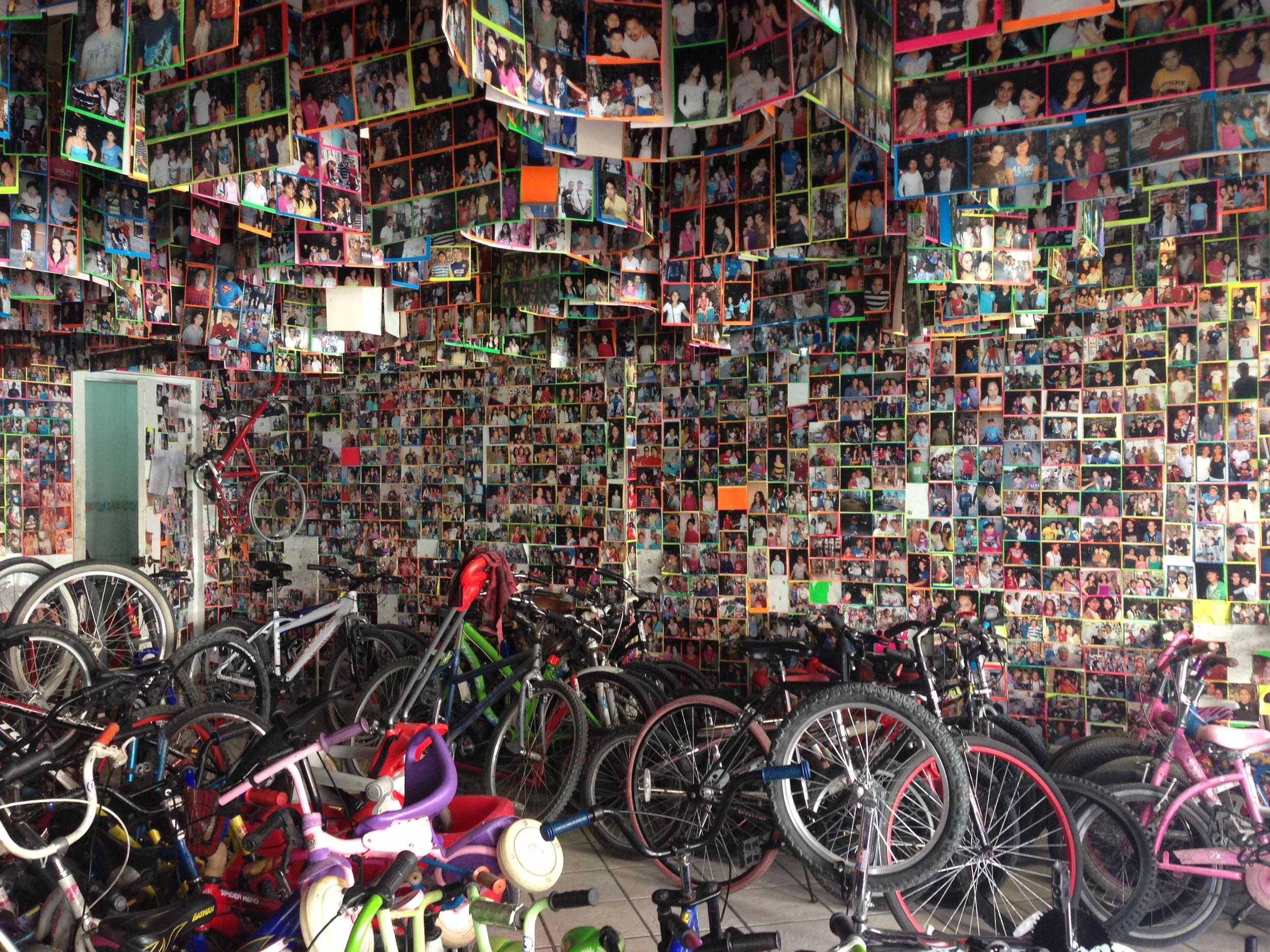 Ados y Nana bike shop in La Paz.