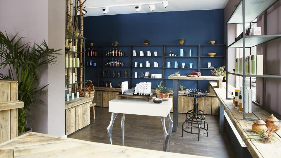 Beauty-Avenue-Reception-og-Retail-Area.jpg