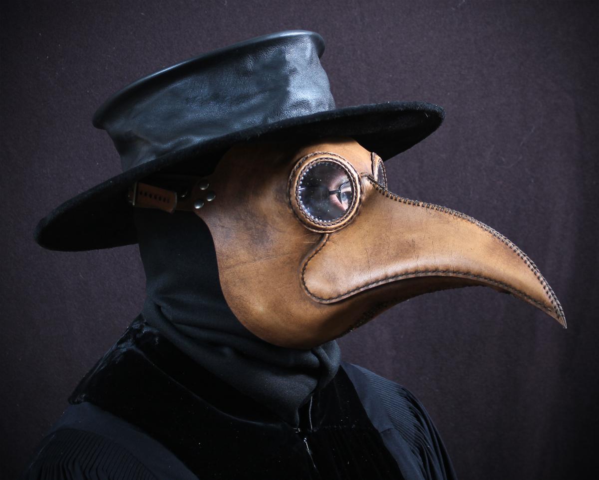 Maximus-tan-w-old-hat.jpg