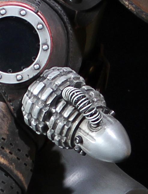 Oli-canister-2.jpg