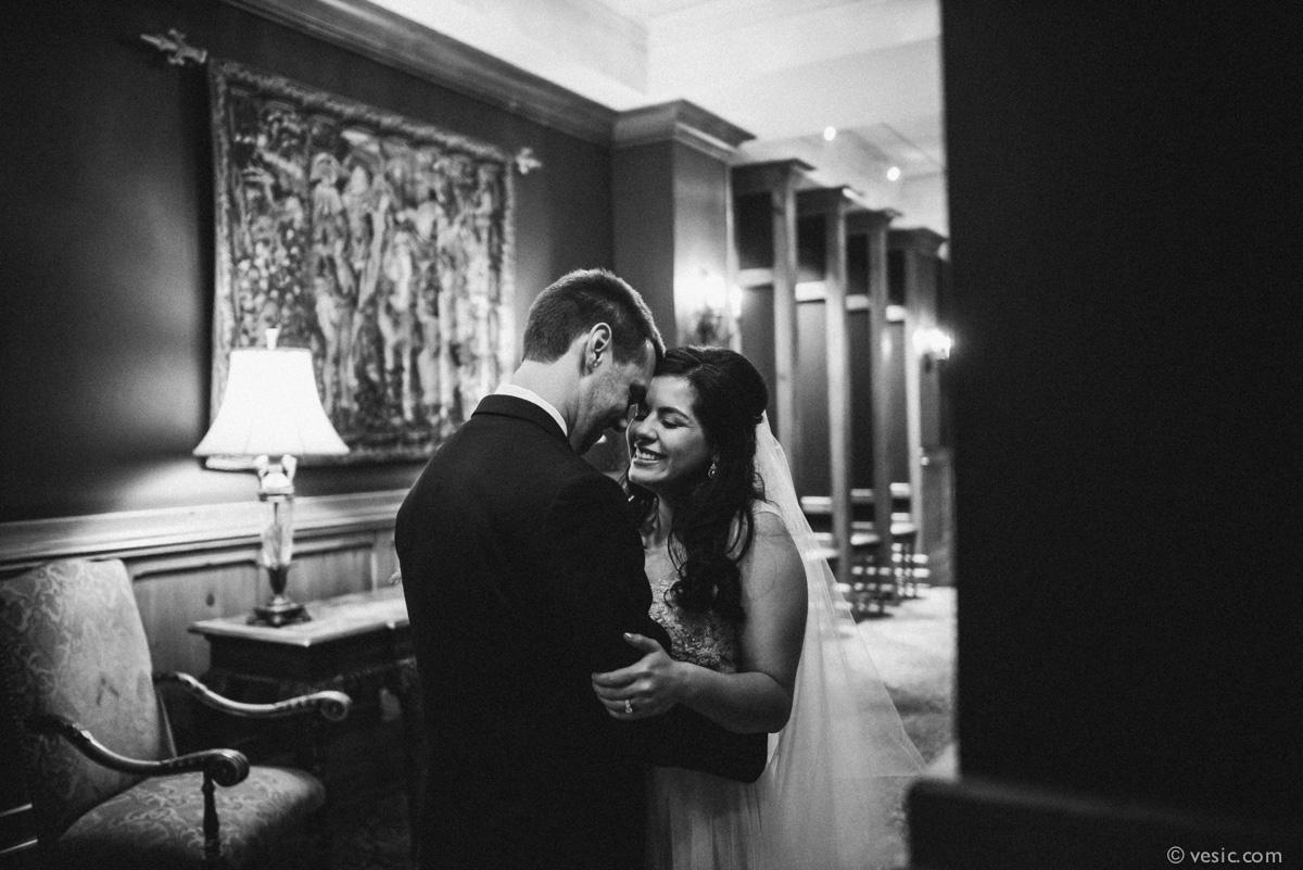 North-Carolina-Wedding-OHenry-Hotel-19.jpg