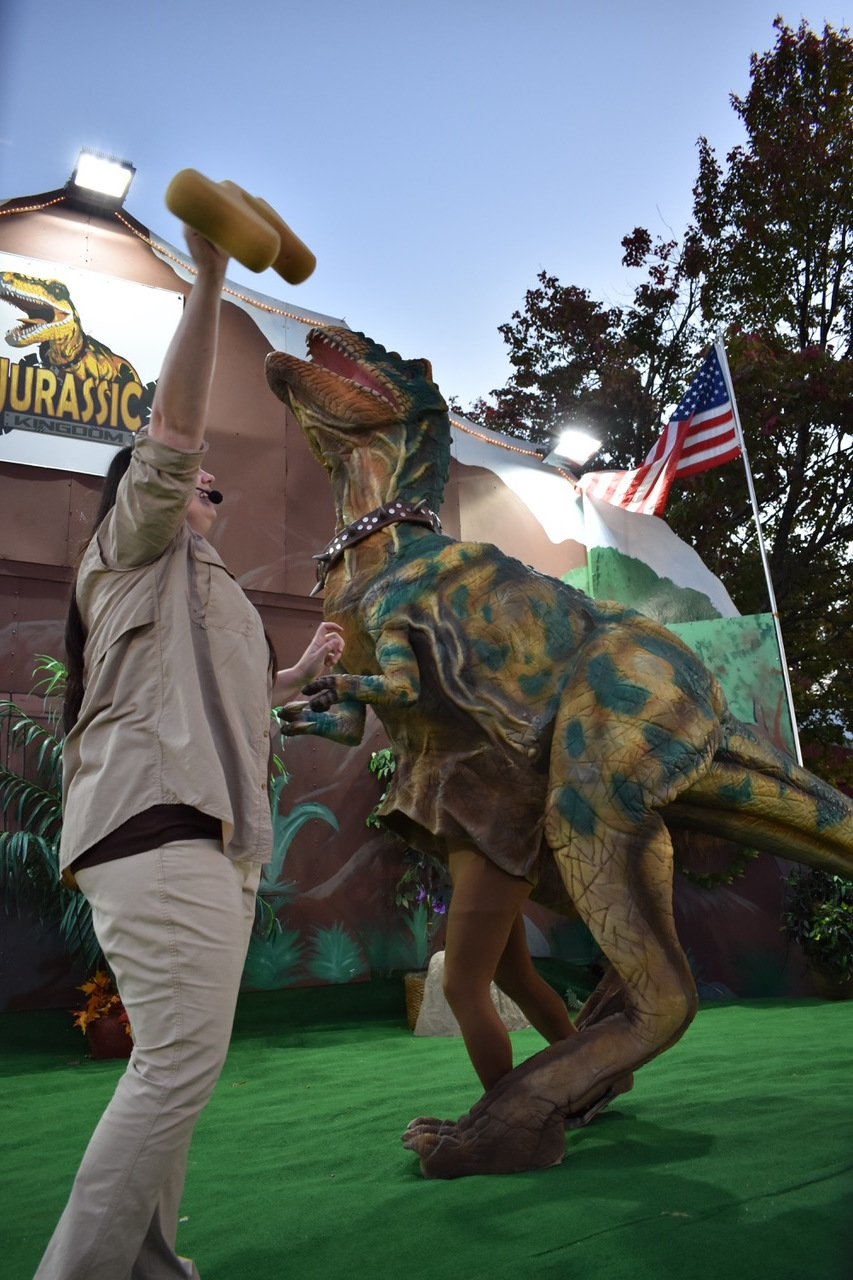 jerassic_kingdom_dinosaur_show_artists_and_attractions_DSC_0333.jpeg