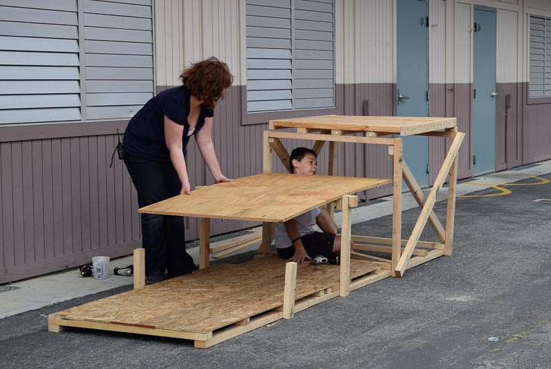 The ramp rotates around a dowel, but right now it is still unsafe.