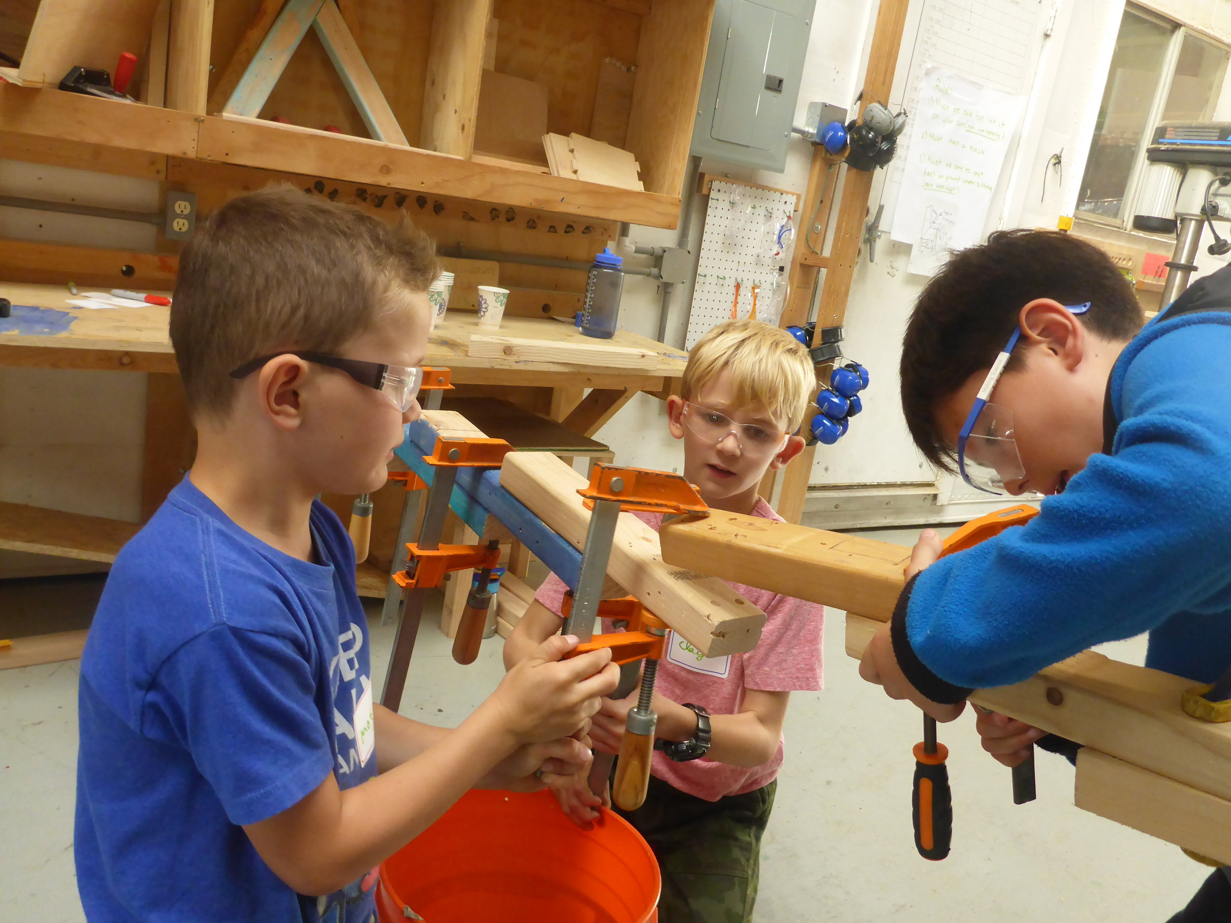So many opportunities to accomplish one of our Tinkering School goals: collaborate and make friends!