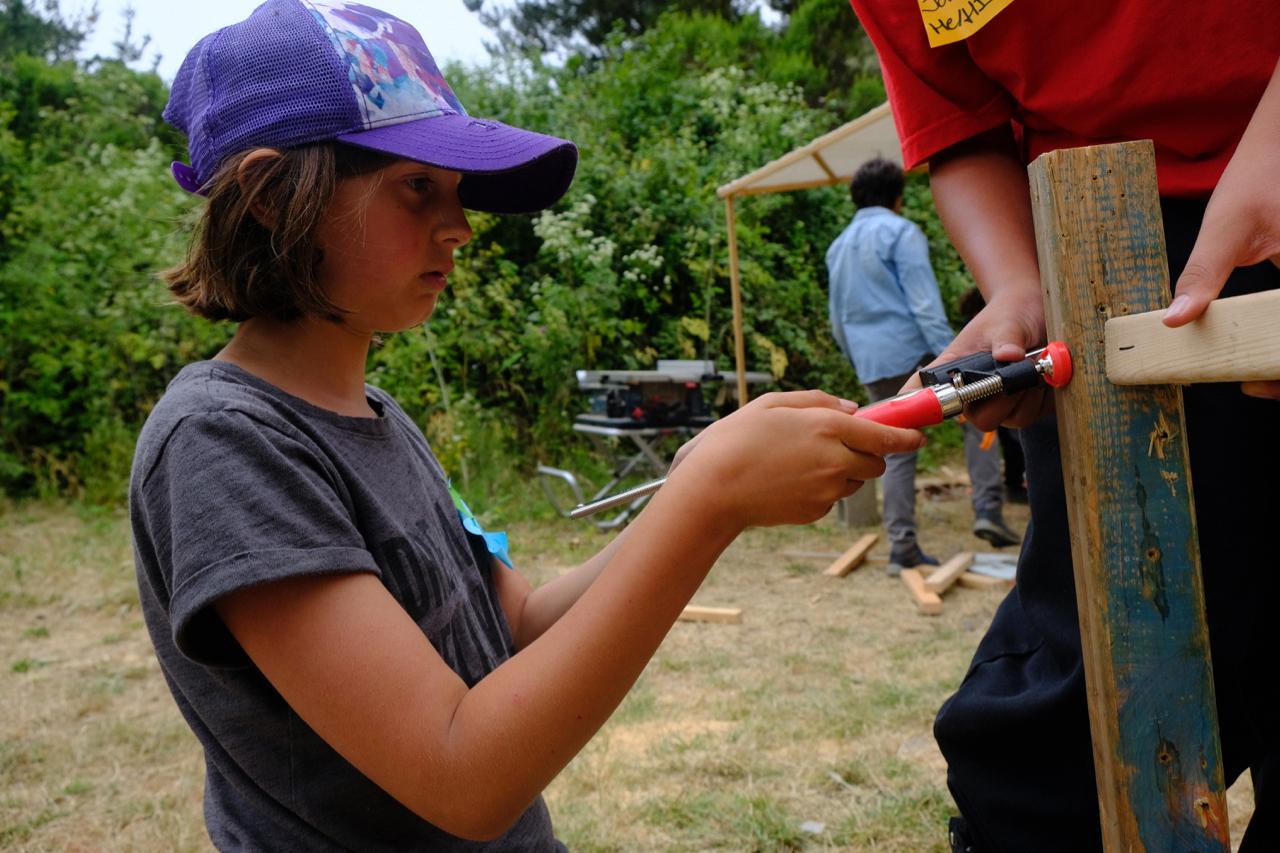 Annabeth (Eden) practices using a twisty clamp.