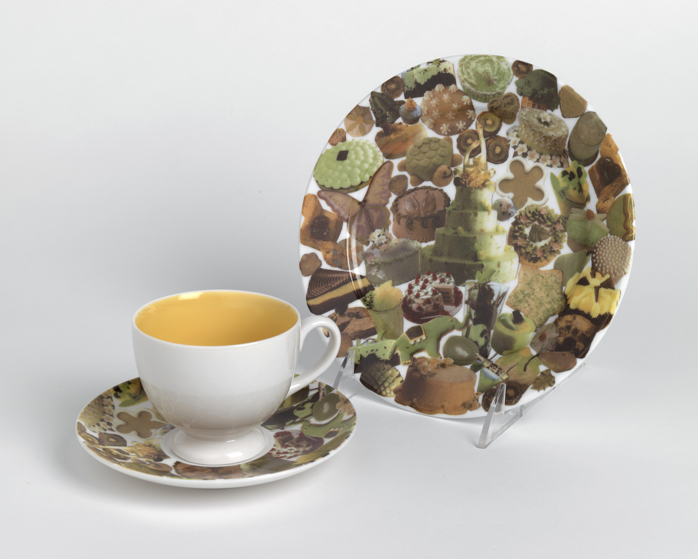Laura Simmons desssert plate and saucer. 2004