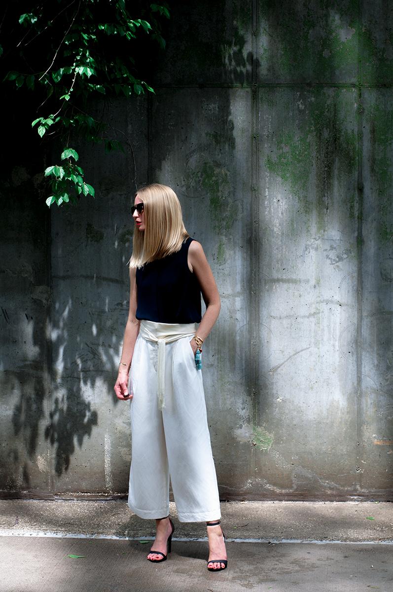 Ann Taylor LOFT White Cropped Wide Leg Pants