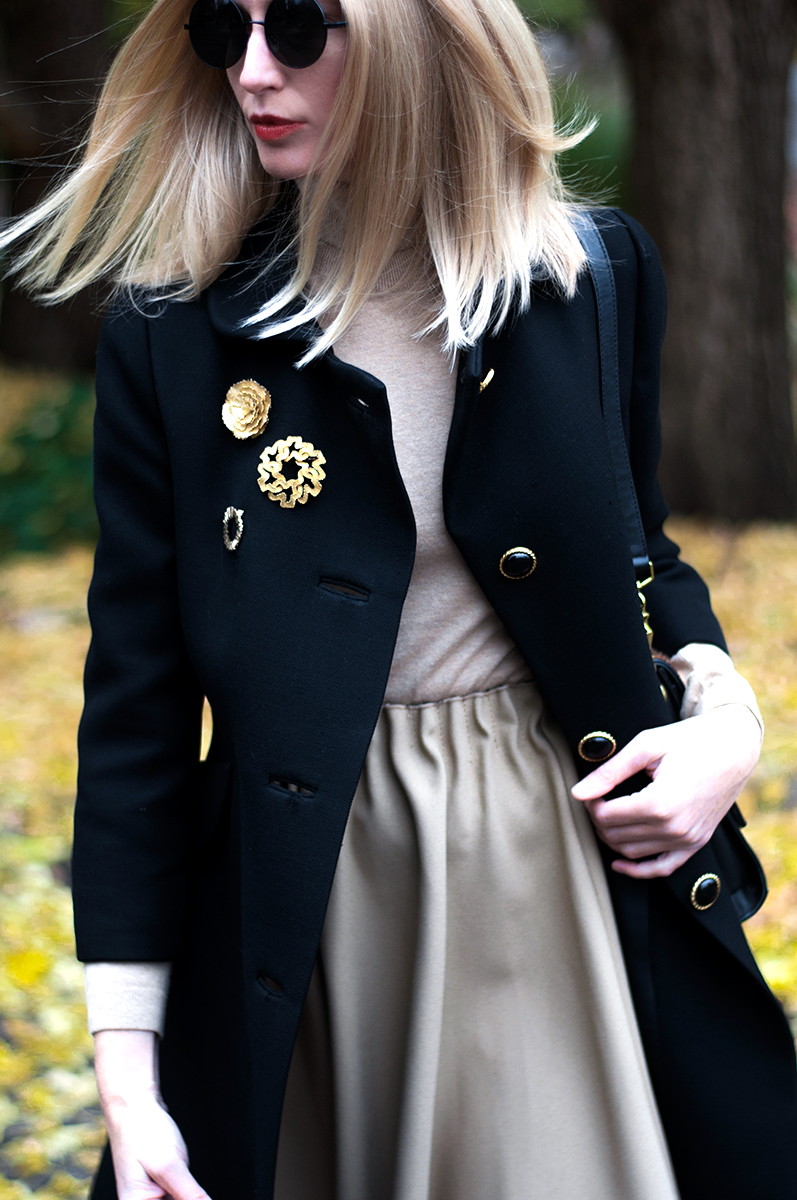 Vintage Brooches and Round Sunglasses, Blogger Style 2015