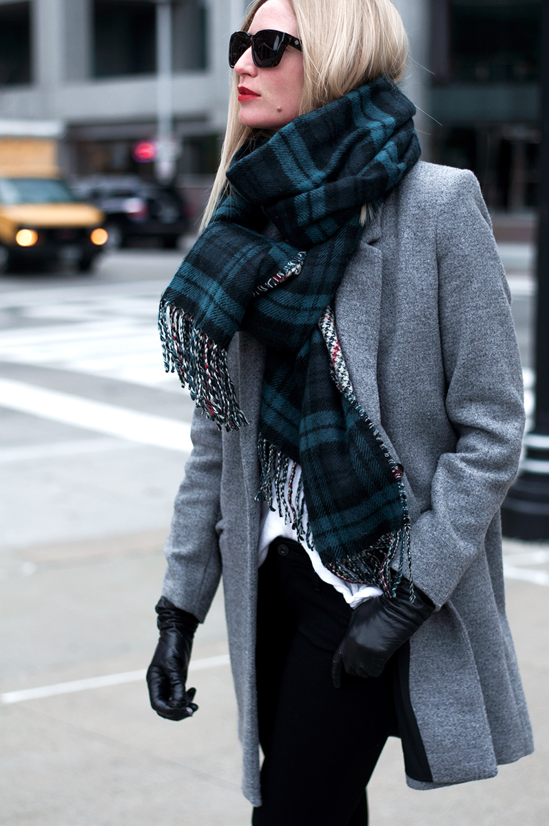 Nordstrom Rack 'Daivd and Young' Plaid Blanket Scarf