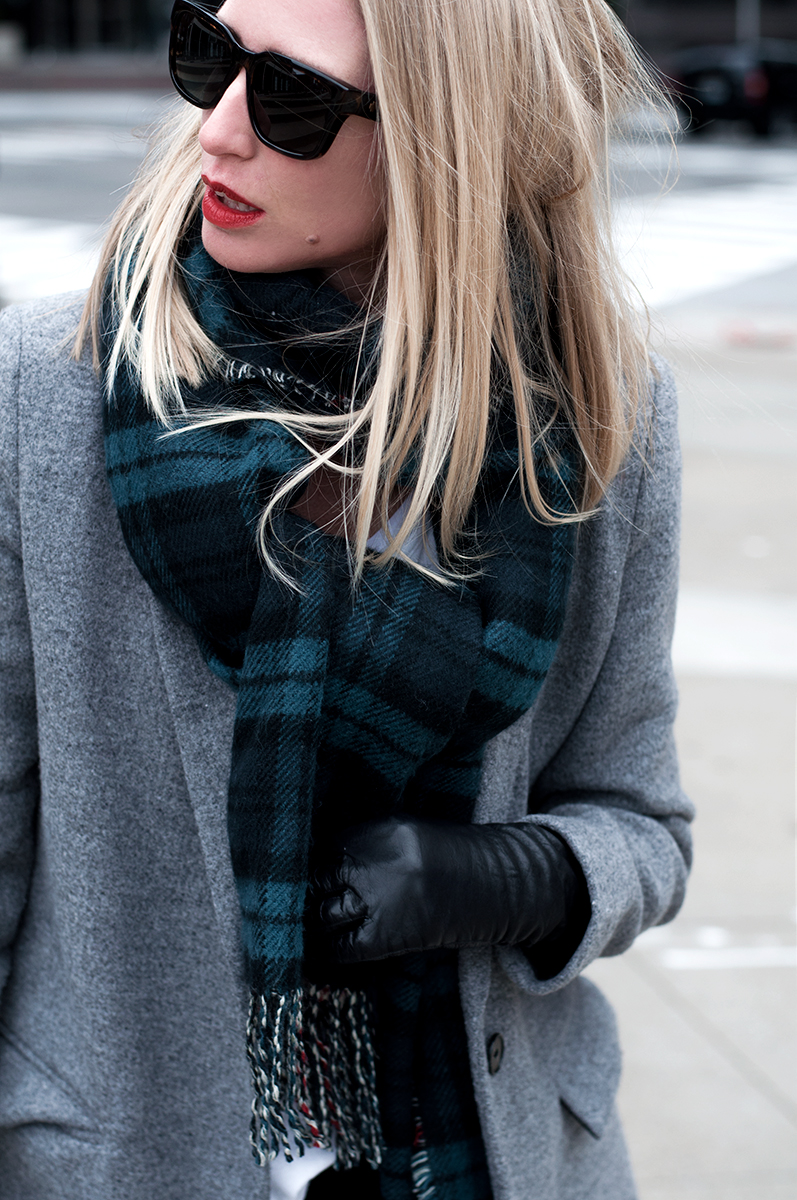Nordstrom Rack 'David and Young' Plaid Blacnket Scarf