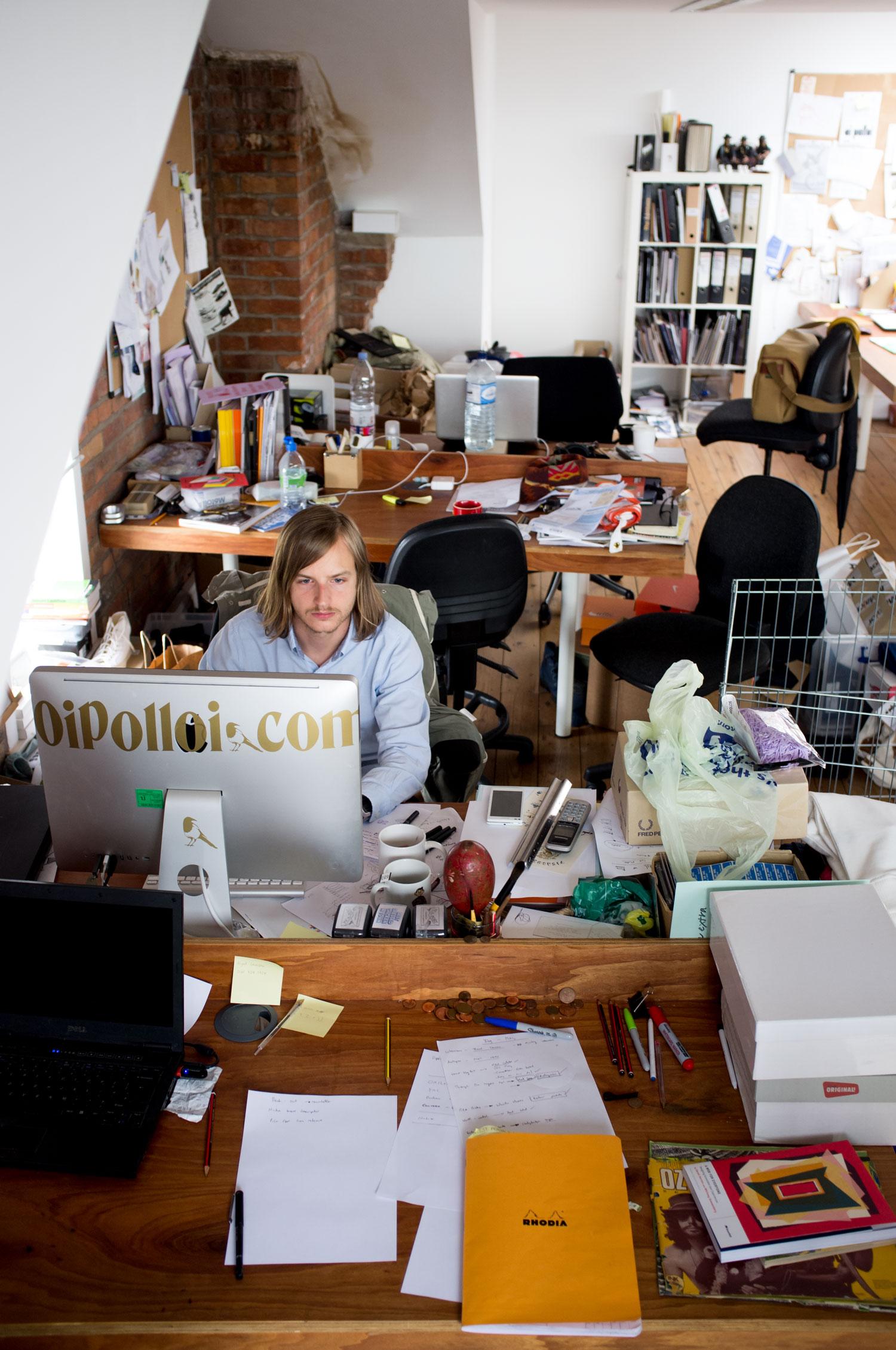 2014-05-30 Messy-office.jpg