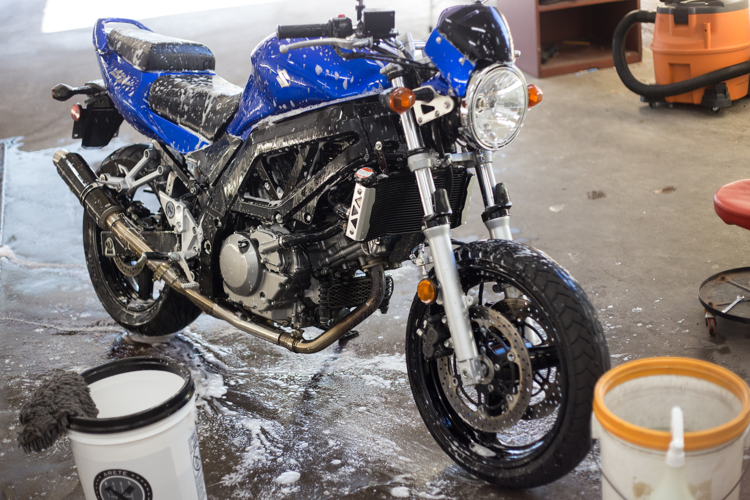 The remainder of the bike received Iron-X and a nano-clay treatment on the parts to be polished with plenty more attention to hard to reach areas.