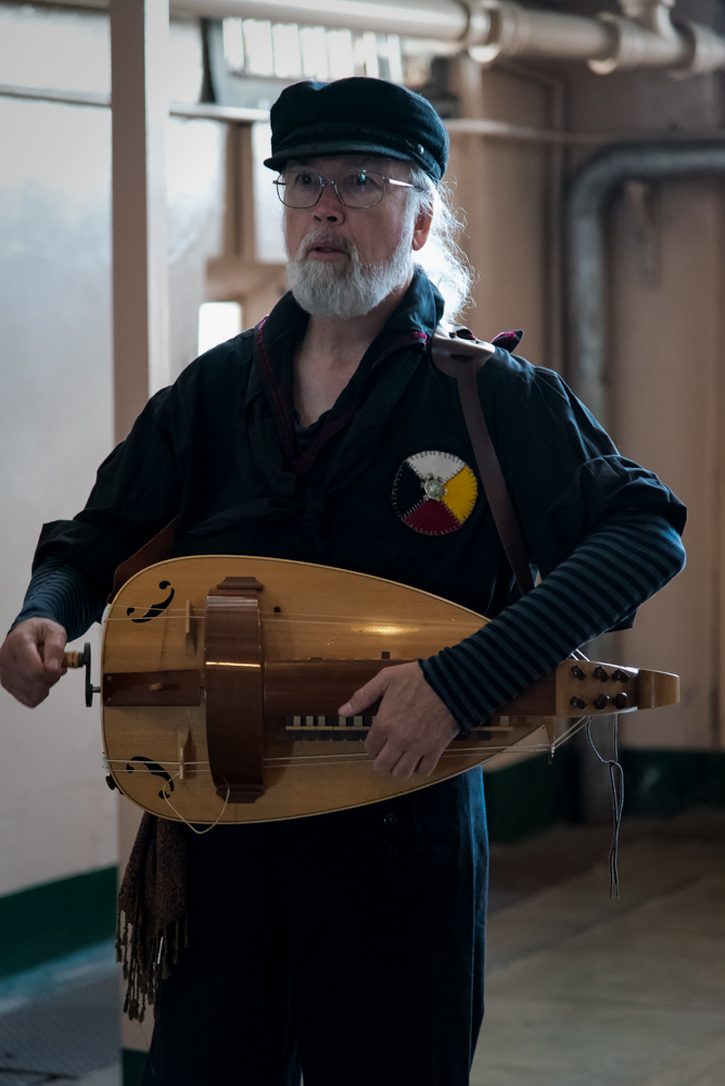 Randy Matamoros and the hurdy-gurdy.