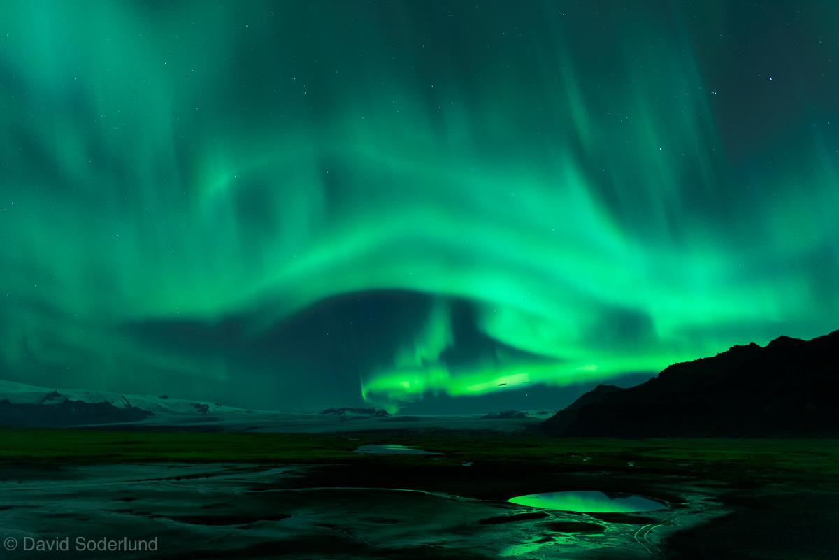 Auroras near Jokulsarlon.jpg