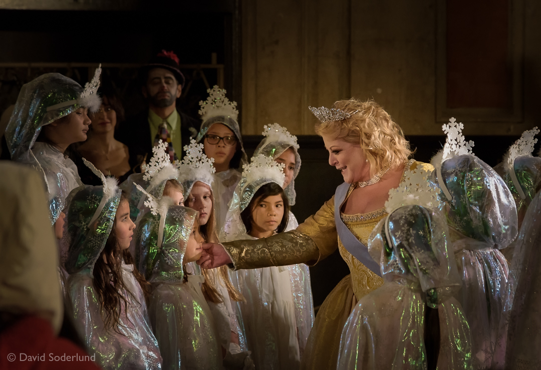 "The ""Queen of Sweden"" (Deborah Voigt) among the snowflakes (San Francisco Girls Chorus)."