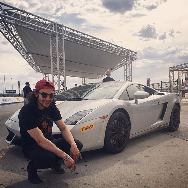 Drove dis lambo on a fun trip to Vegas with my old friend @tonyjapp now I want one. Happy birthday bridda and thanks for thinking of this cool activity 🙏🏼 . . . . #yamborghinihigh #vegas #speedboiz #lamborghinigallardo