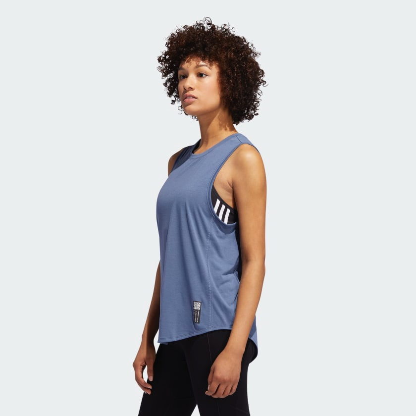 Adapt_to_Chaos_Tanktop_blau_DZ1552_22_model.jpg