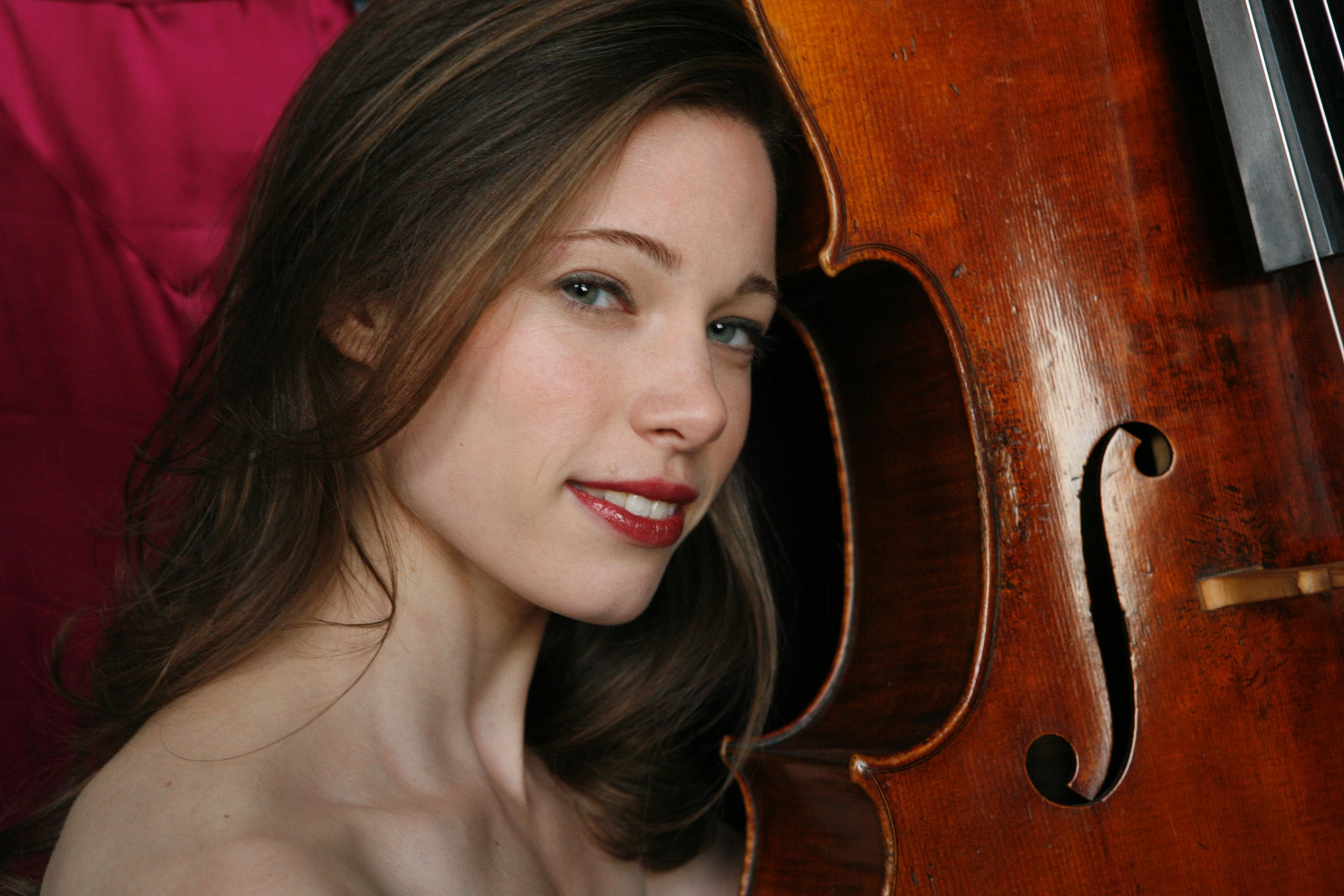 Julia Bruskin closeup with cello copy (lower res 2MB).jpg