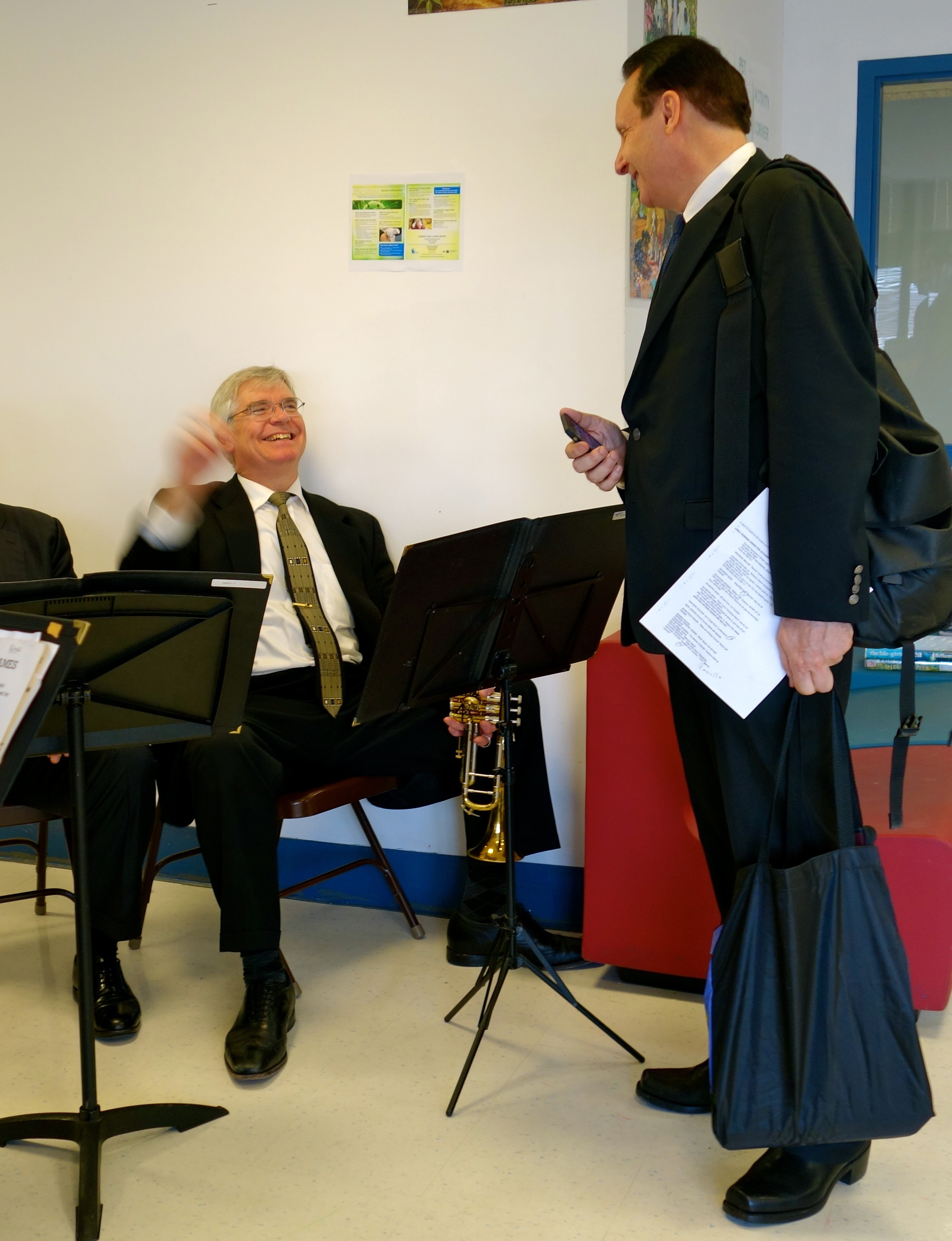 Peter Bond demonstrates his fast tempo conducting prowess to David Langlitz.