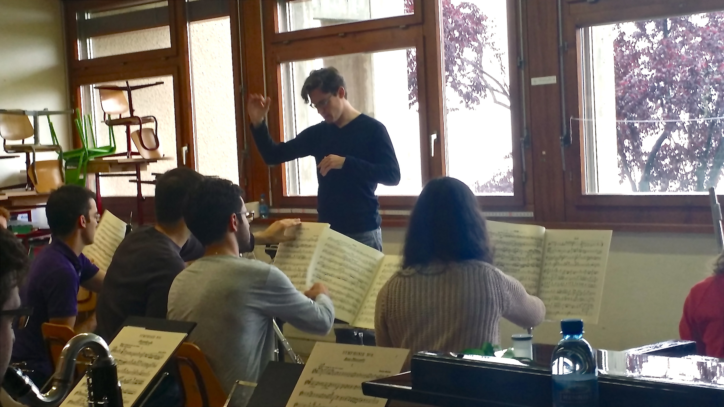 Nathan conducting a woodwind sectional at Verbier