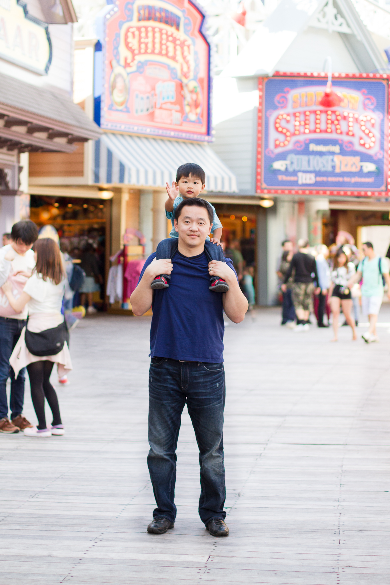 Fun at the pier. This is officially my favorite spot at California Adventure.