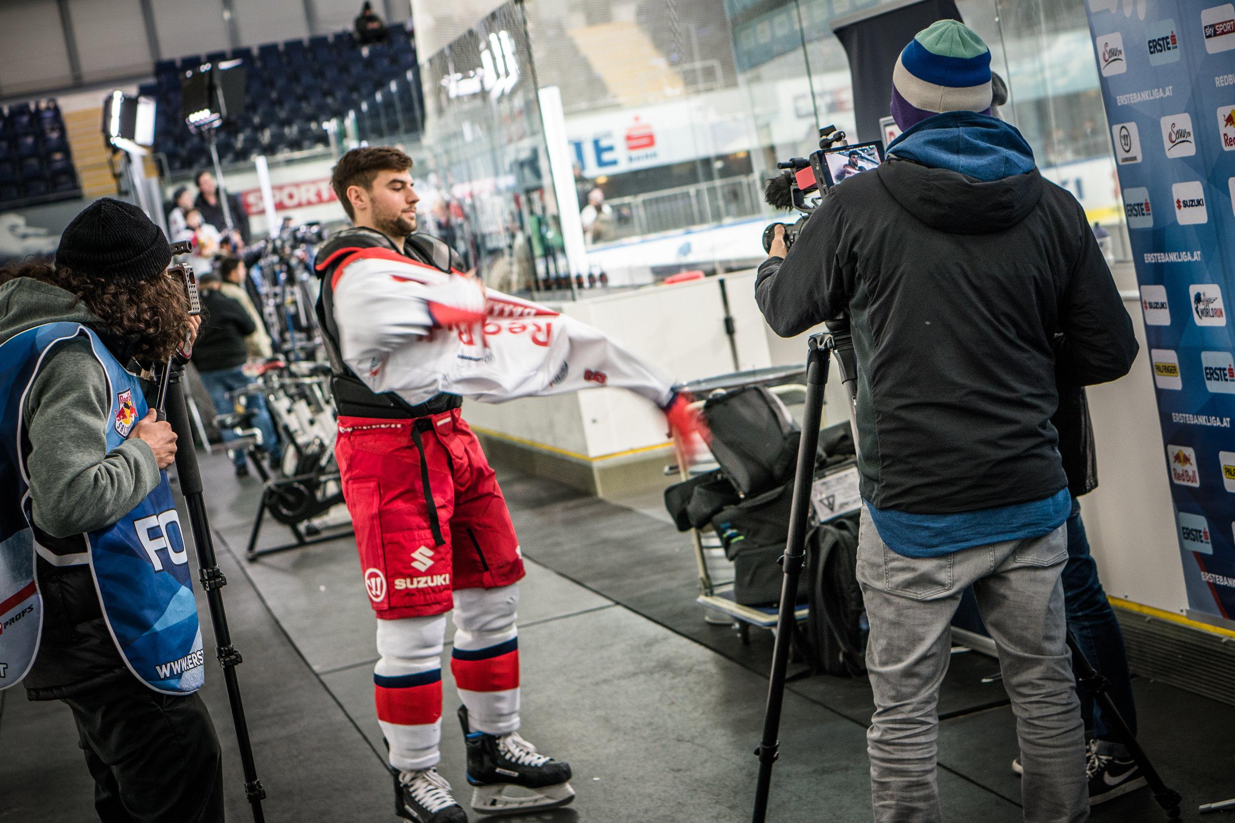 EpicMinutes-Behind-RedBull-Eishockey-WEB-by-BAUSE-015.jpg