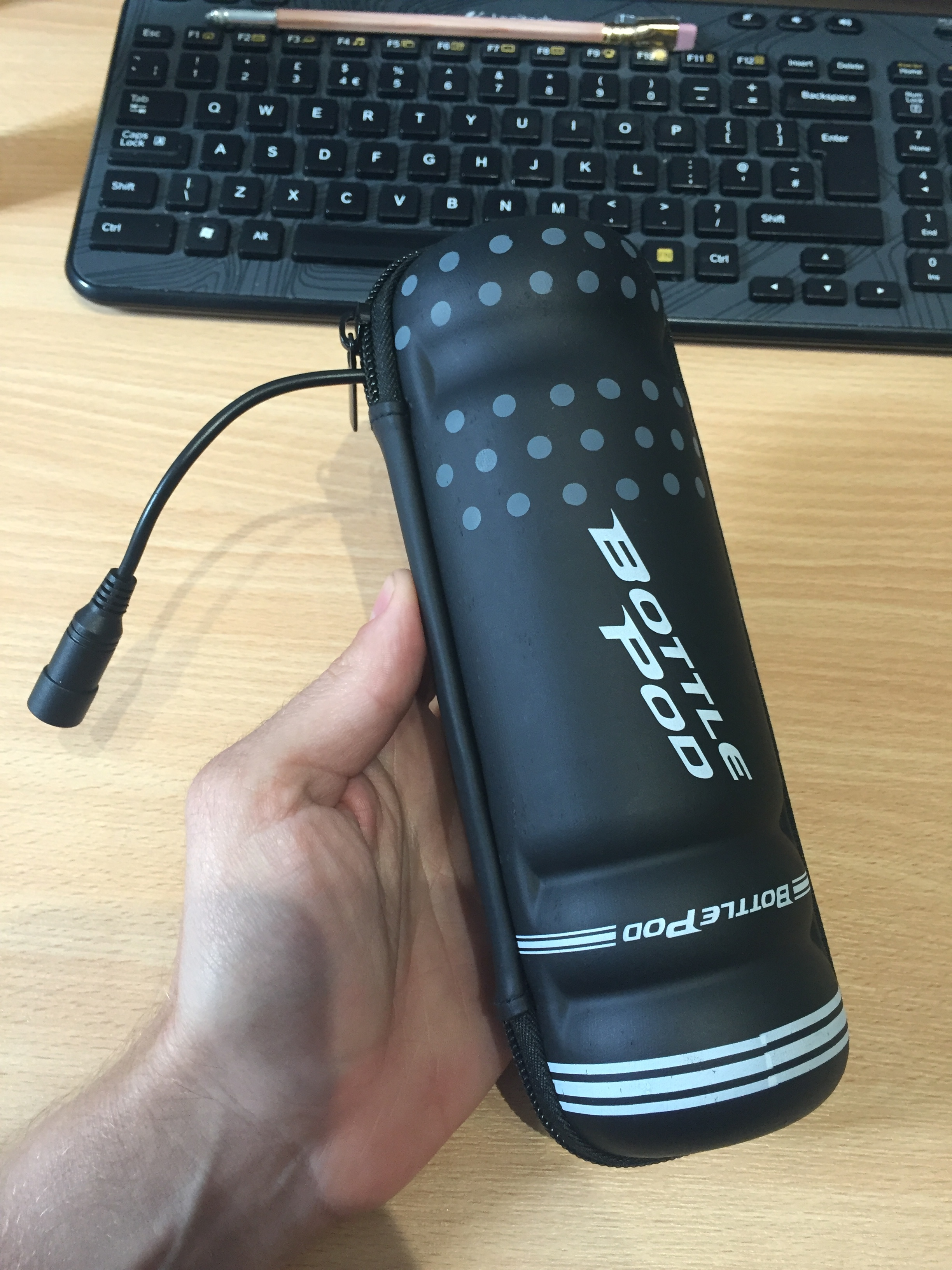 Bottle Pod holding a light battery