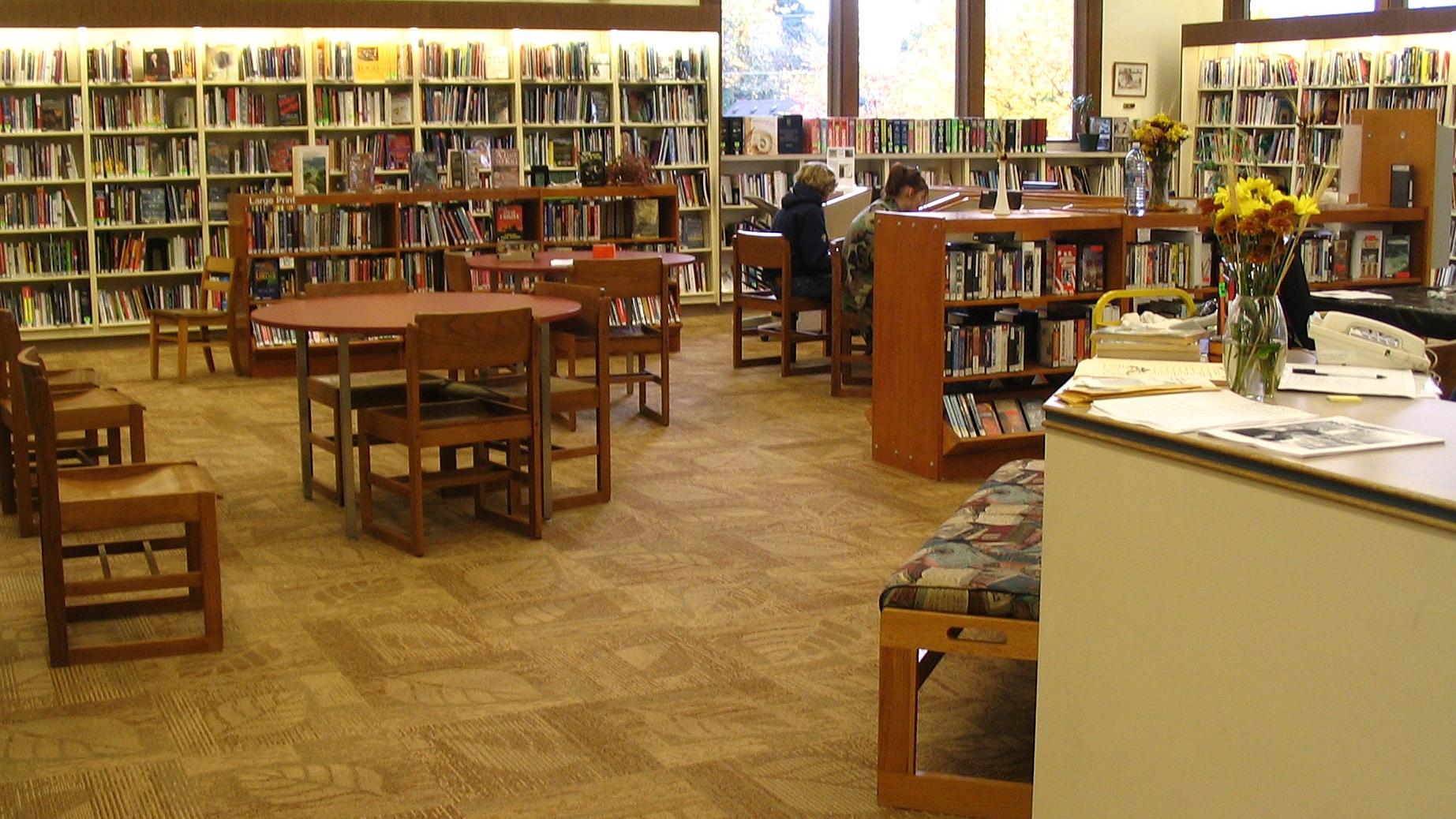 Stevenson_Washington_public_library_interior.jpg