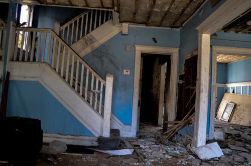 891e482a048fb7cb-AbandonedHouse-EastClevelandOH-2.jpg