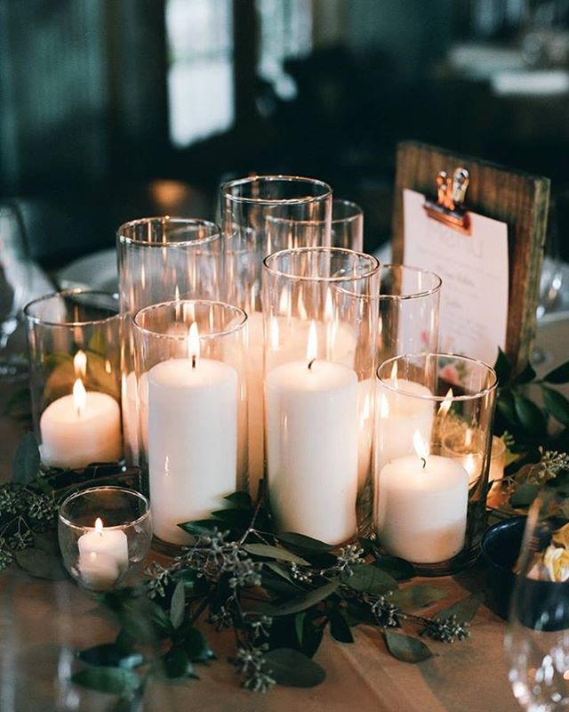 Sometimes all you need is a little candlelight ✨ #moody #weddingdecor #florist #weddingflowers #romantic #candlelight #swoon #lovely