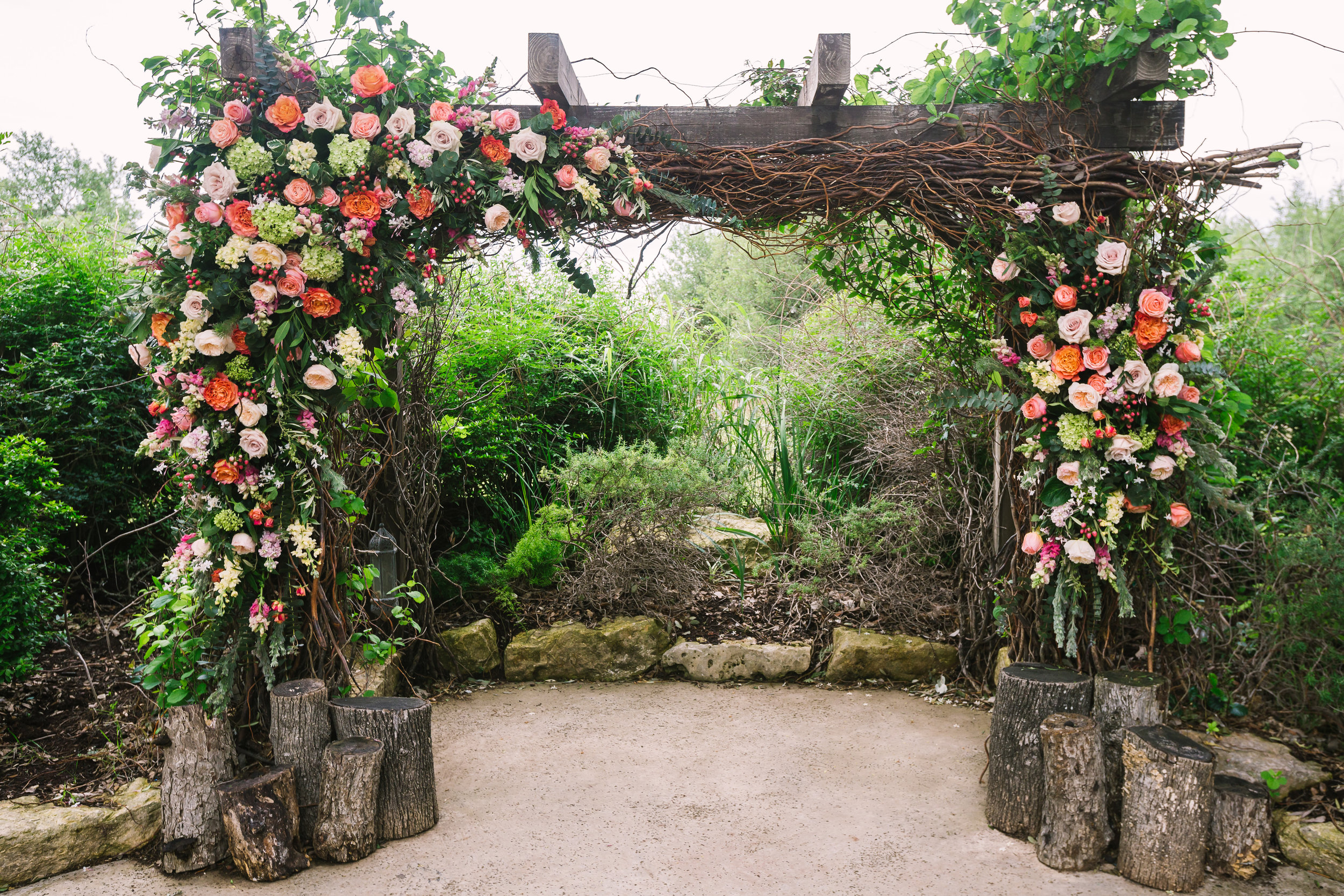 vista-west-ranch-texas-wedding-destination-austin-texas-petal-pushers-flowers-bird-and-the-bear