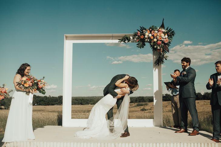 a3a1648b-ac30-11e7-8a2a-0e141a3020b2~rs_729.h.jpgprospect-house-boho-wedding-flowers-petal-pushers-austin-texas