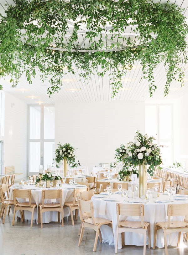 prospect-house-dripping-springs-wedding-florist-petal-pushers-design-flowers-reception-modern