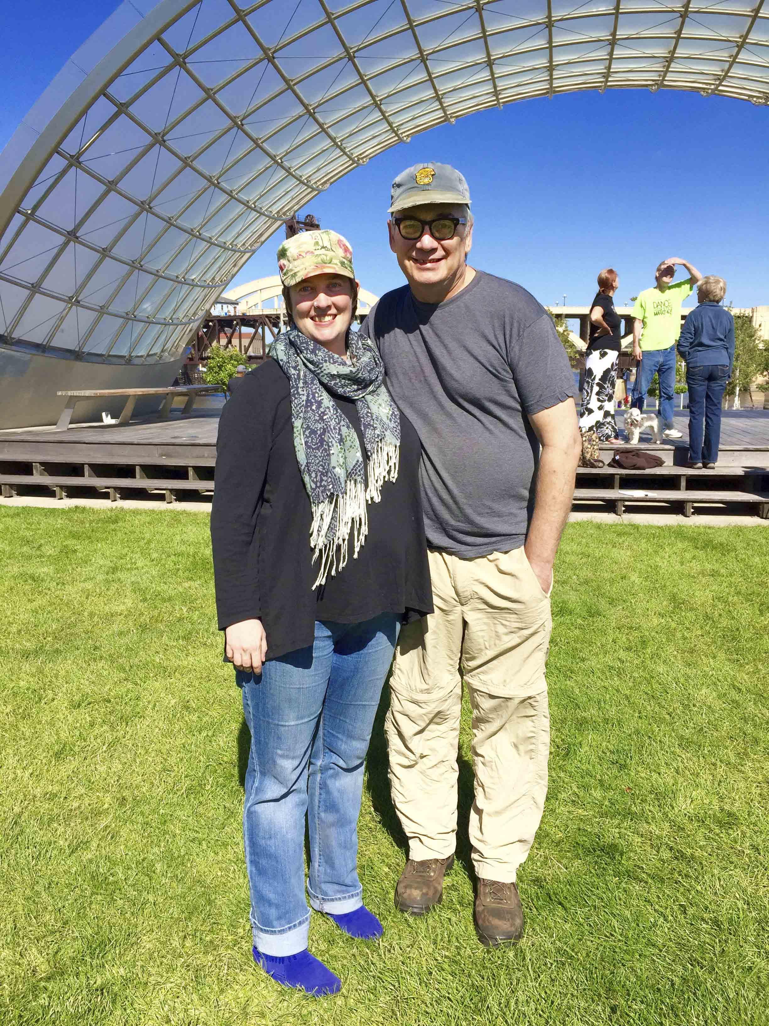 Liz Carlson and Tim Jennen - Founders of MetroSketchers